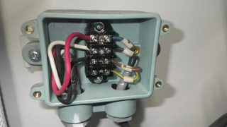 三相交流と反対に回る電動機