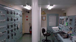 コンテナ船 ながら 機関室見学  その2